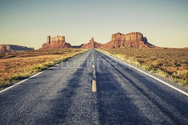 Hosszú út völgy USA utca utazás Stock fotó © vwalakte