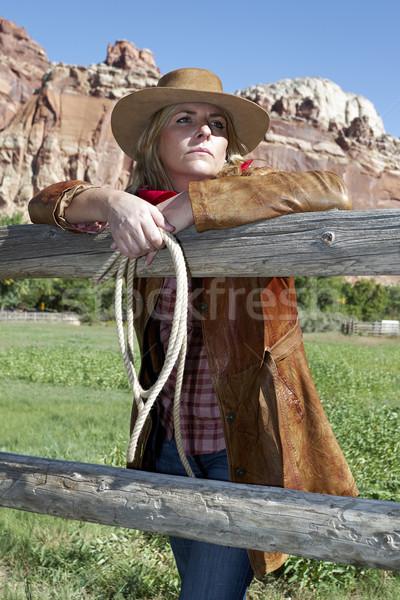 Donna indossare cappello da cowboy ritratto bella Foto d'archivio © vwalakte