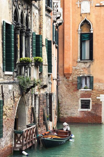 Venedik kanal ev adam seyahat renk Stok fotoğraf © vwalakte