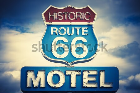 Cuadrados vista famoso signo ruta 66 EUA Foto stock © vwalakte