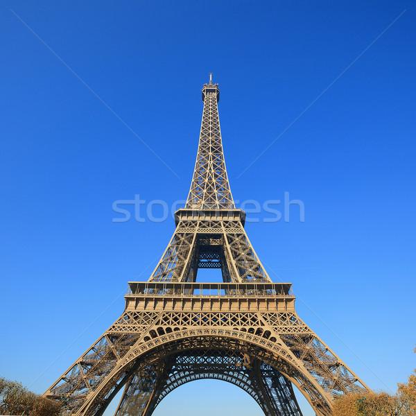 Párizs legjobb célpontok Európa Eiffel-torony épület Stock fotó © vwalakte