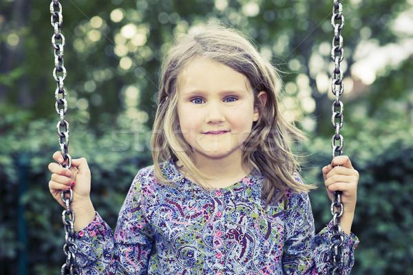 Dziewczyna huśtawka lata parku szczęśliwy zabawy Zdjęcia stock © vwalakte