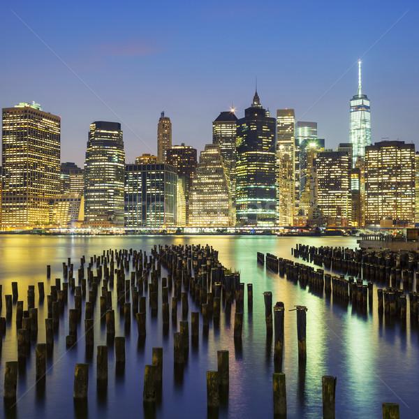 Manhattan centre-ville Skyline crépuscule célèbre vue Photo stock © vwalakte
