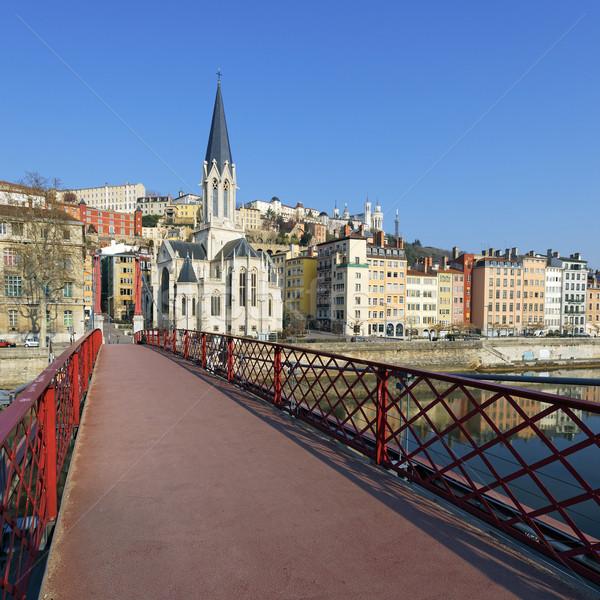 Vermelho passarela igreja Lyon famoso água Foto stock © vwalakte