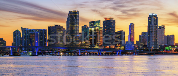 Panorâmico pôr do sol Miami Flórida negócio residencial Foto stock © vwalakte