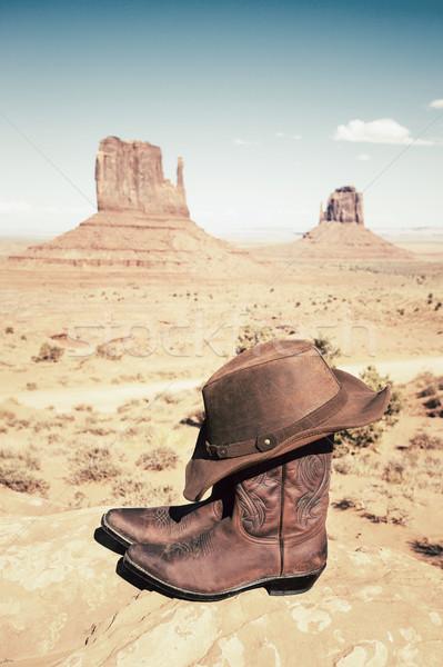 Western divat csizma kalap völgy függőleges Stock fotó © vwalakte