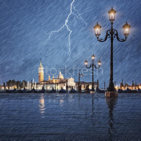Onweersbui bliksem hemel kanaal Italië water Stockfoto © vwalakte