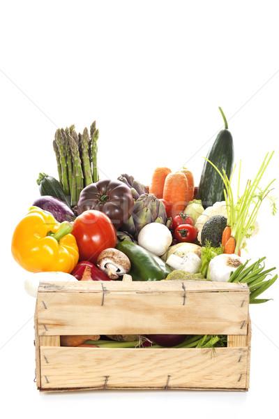 świeże warzywa skrzynia biały tle zielone Zdjęcia stock © vwalakte