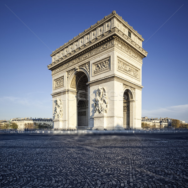 Famous view of the Arc de Triomphe Stock photo © vwalakte