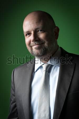 Vriendelijk zakenman afbeelding groene achtergrond zakenman Stockfoto © w20er
