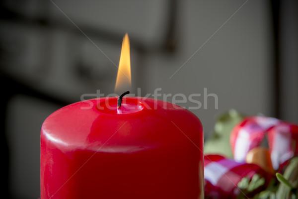 Ardere roşu lumânare detaliu shot venire Imagine de stoc © w20er