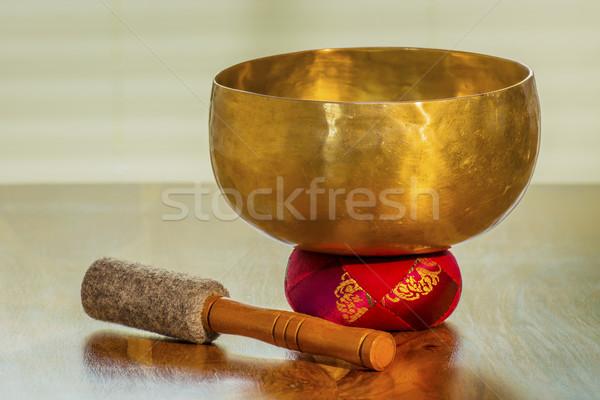 Sonido tazón mesa rojo fondo metal Foto stock © w20er