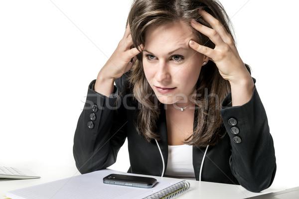 Foto d'archivio: Donna · d'affari · seduta · guardando · laptop