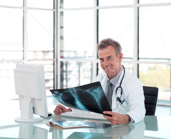 Ritratto medico Xray desk felice Foto d'archivio © wavebreak_media