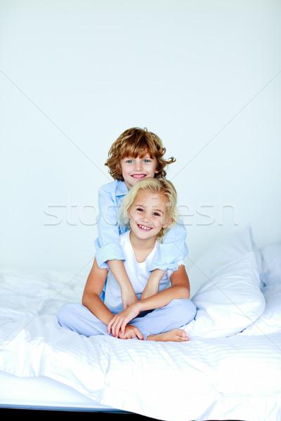 Frère soeur ensemble lit up fille Photo stock © wavebreak_media