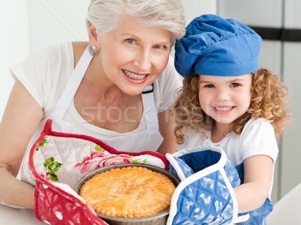 女の子 祖母 見える カメラ ホーム 家 ストックフォト © wavebreak_media