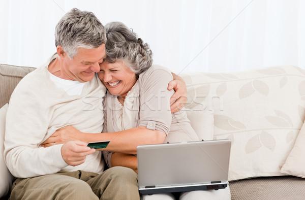 Kopen iets internet home vrouw Stockfoto © wavebreak_media
