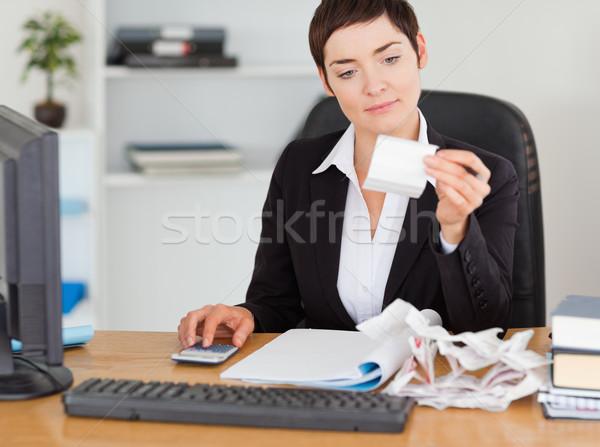 Professionelle Büroangestellte Buchhaltung Büro Frau Papier Stock foto © wavebreak_media