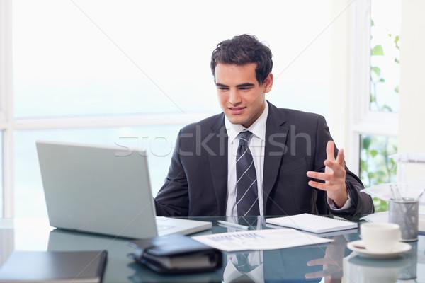 Ontdaan zakenman werken kantoor gezicht internet Stockfoto © wavebreak_media