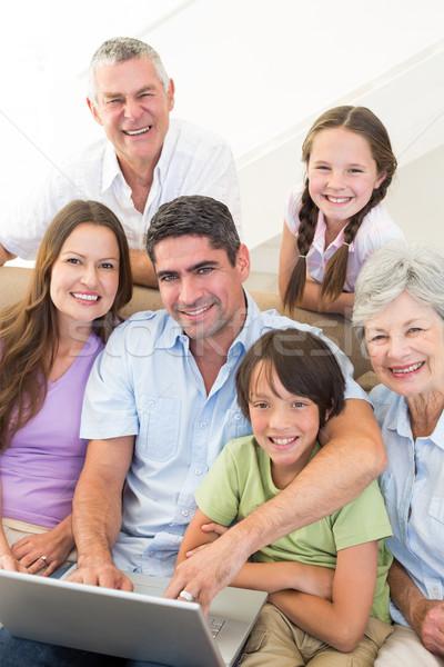 Amorevole famiglia tempo libero ritratto home computer Foto d'archivio © wavebreak_media