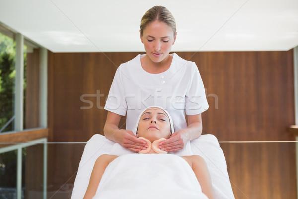 мирный брюнетка красоту терапевт отель Сток-фото © wavebreak_media