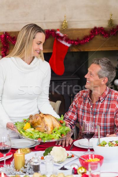 Frau Servieren Türkei Ehemann home Wohnzimmer Stock foto © wavebreak_media
