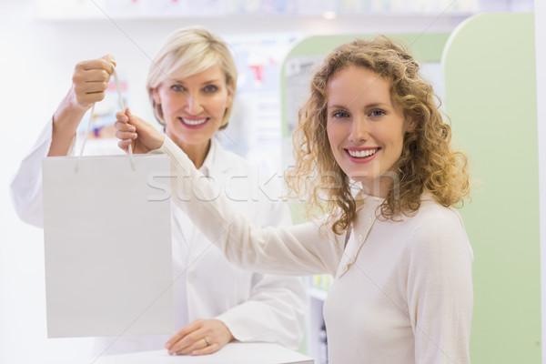 Apotheker apotheek gelukkig medische Stockfoto © wavebreak_media