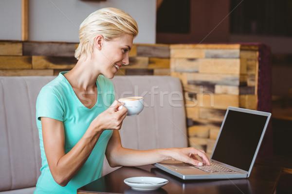 Mooie blond beker koffie cafe Stockfoto © wavebreak_media