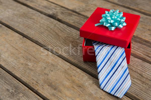 Magasról fotózva kilátás nyakkendő piros ajándék doboz asztal Stock fotó © wavebreak_media