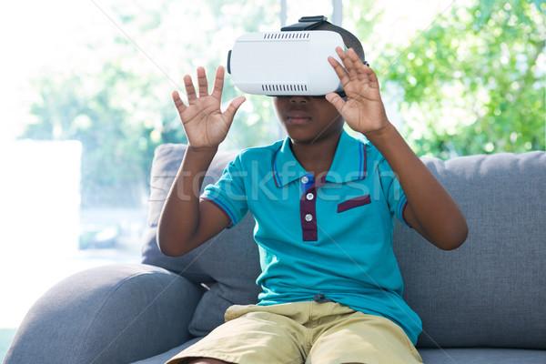 Menino virtual realidade fone Foto stock © wavebreak_media