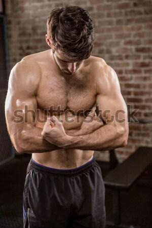 A torso nudo uomo bicipiti crossfit palestra fitness Foto d'archivio © wavebreak_media