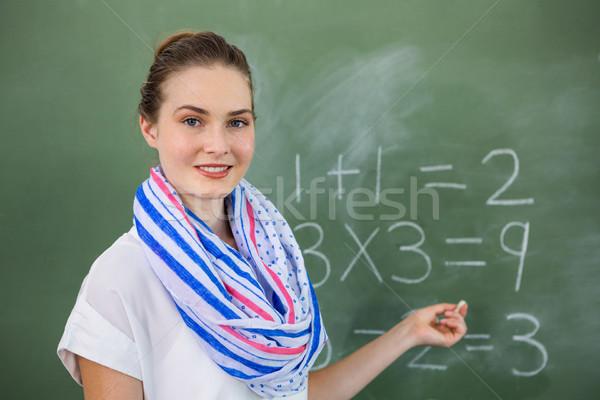 Stockfoto: Jonge · leraar · onderwijs · wiskunde · schoolbord · klas
