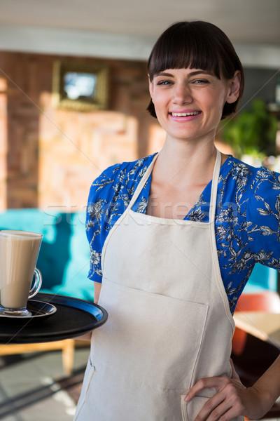Sorridere cameriera vetro caffè ritratto Foto d'archivio © wavebreak_media
