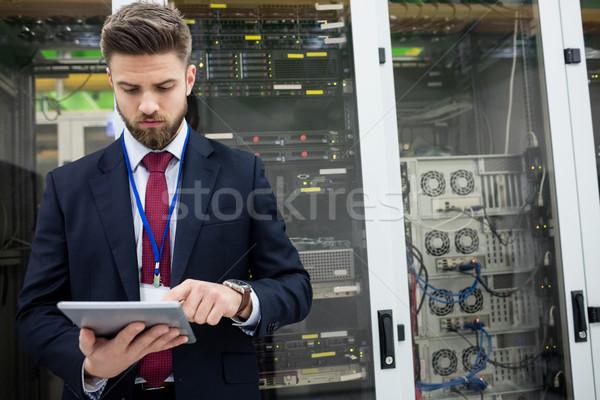 Technikus digitális tabletta szerver szoba internet Stock fotó © wavebreak_media