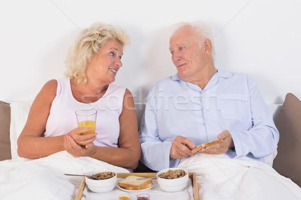 Gelukkig paar eten ontbijt vrouw Stockfoto © wavebreak_media