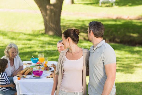 Сток-фото: пару · семьи · столовой · Открытый · таблице · расширенной · семьи