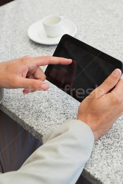 Zakenman klein tablet tabel patio restaurant Stockfoto © wavebreak_media