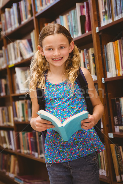 Stock fotó: Aranyos · kislány · olvas · könyv · könyvtár · portré