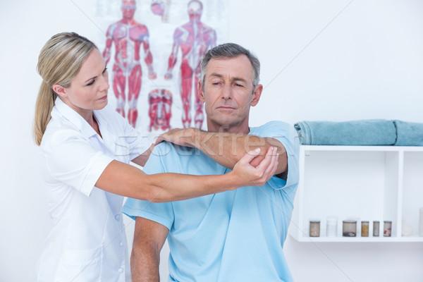 Médico homem braço médico escritório Foto stock © wavebreak_media