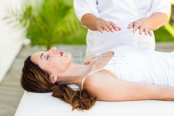 Higgadt nő reiki kezelés gyógyfürdő bőr Stock fotó © wavebreak_media