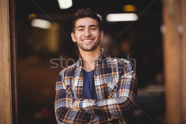 笑みを浮かべて カジュアル ウェイター 肖像 コーヒーショップ ストックフォト © wavebreak_media