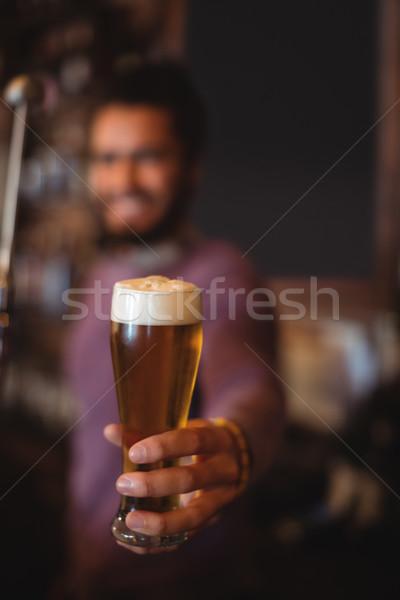 Maschio bar tenero vetro birra Foto d'archivio © wavebreak_media
