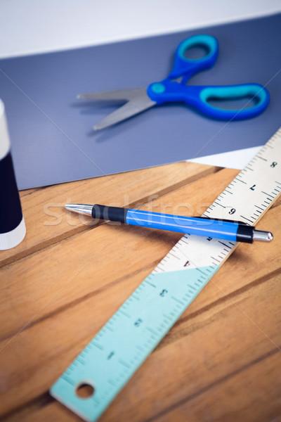 Magasról fotózva kilátás papírok tanszerek fa asztal iroda Stock fotó © wavebreak_media
