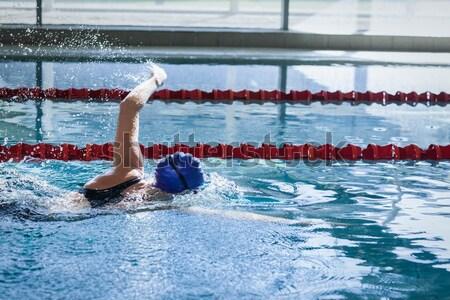 Uygun adam dalış havuz su mutlu Stok fotoğraf © wavebreak_media
