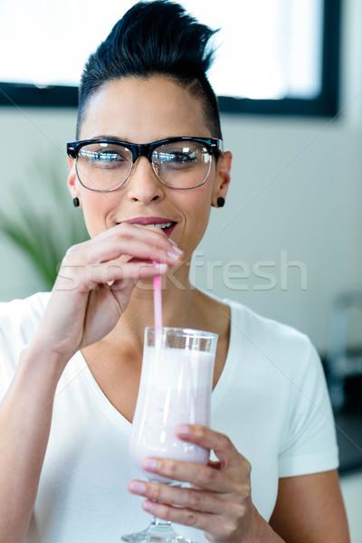 женщину питьевой льстец соломы продовольствие Сток-фото © wavebreak_media