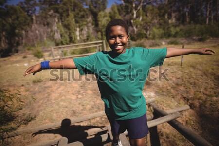 Moço em pé floresta mãos cintura mulher Foto stock © wavebreak_media