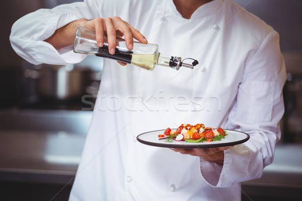 Chef toque ensalada comerciales cocina Foto stock © wavebreak_media