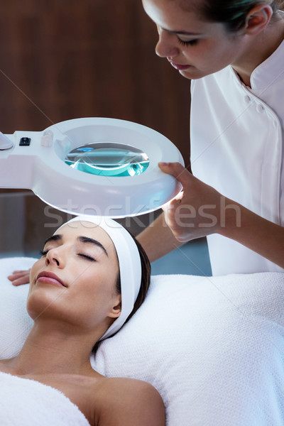 Masseuse naar vrouw gezicht spa vrouw man Stockfoto © wavebreak_media