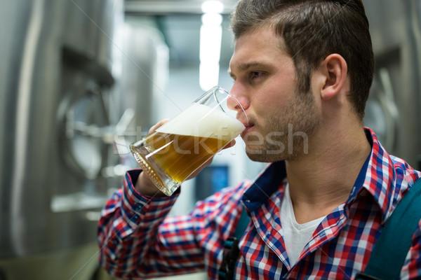 пива пивоваренный завод завода человека промышленности Сток-фото © wavebreak_media