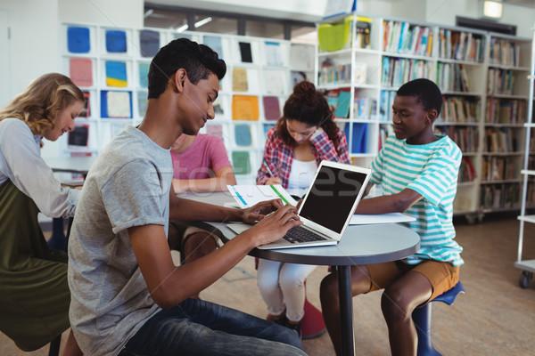 Atento estudiar biblioteca escuela ordenador Foto stock © wavebreak_media